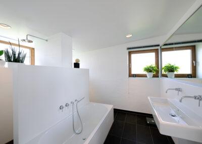 Badezimmer gefliest